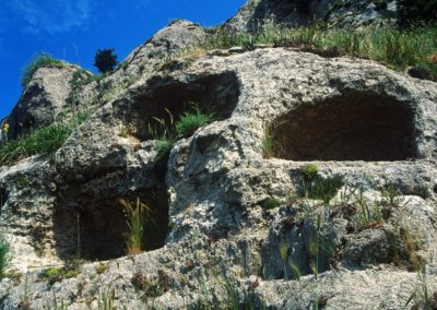 Necropoli finestrelle
